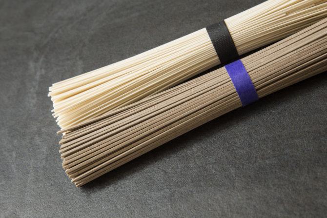 Japońskie makarony: udon, soba, somen : noodle