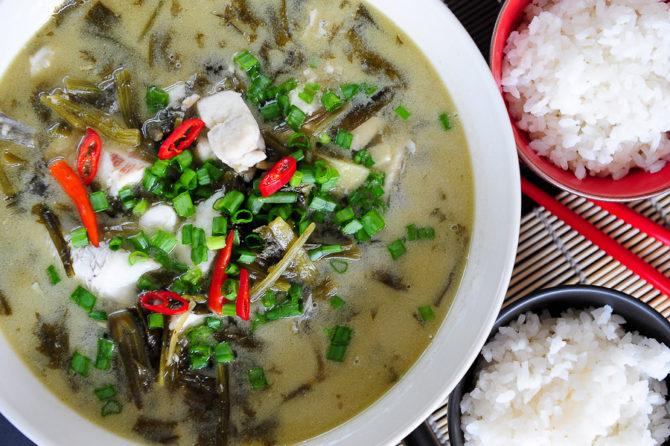 Syczuańska ryba w kiszonej kapuście