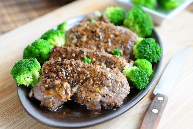 Stek w sosie pieprzowym