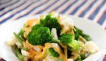 Brokuł, kalafior i fasolka szparagowa w miso