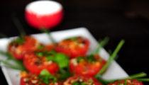 Wietnamskie pomidory nadziewane wieprzowiną i grzybami mun