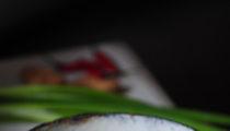 Wietnamska zupa z wołowiną i kiszoną kapustą