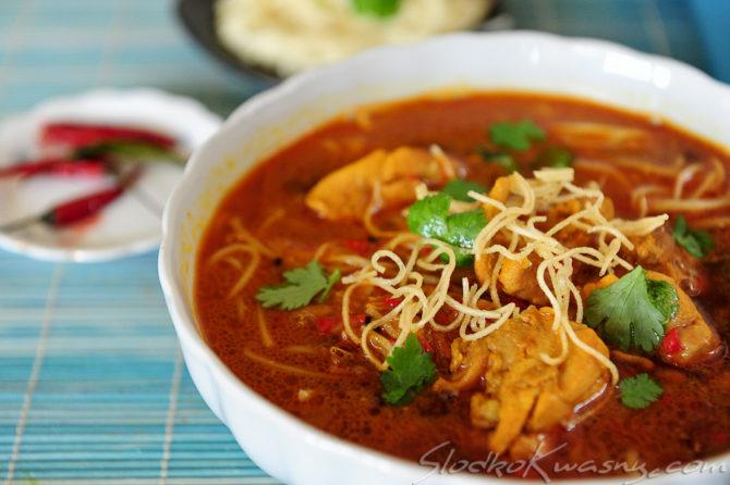 Tajsko-birmańska zupa curry