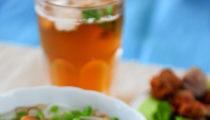 Zupa z Hanoi z wieprzowiną i ryżowym vermicelli
