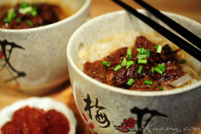 Noodle z aromatyczną wołowiną