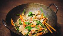 Kurczak z woka z chińskim selerem