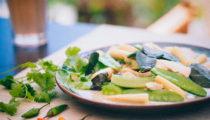 Tajskie zielone curry z kurczakiem i mini kukurydzą